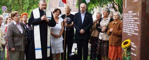 """Gdański Klub """"GP"""" Gdańsk II  zorganizował obchody 70 rocznicy Rzezi Wołyńskiej."""