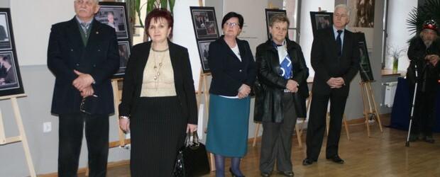 Wystawa poświęcona 96 ofiarom Tragedii nad Smoleńskiem