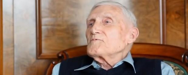 """Jan Pospieszalski """"Bliżej"""" wywiad z prof Witoldem Kieżunem (wideo)"""