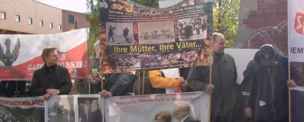 """[List do pana prezydenta Joachima Gaucka] Kluby """"Gazety Polskiej"""" protestowały przeciwko zakłamywaniu historii (wideo)"""