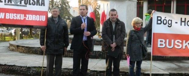 Pikieta pod pomnikiem poświęconym braterstwu broni z armią czerwoną Busku-Zdroju.