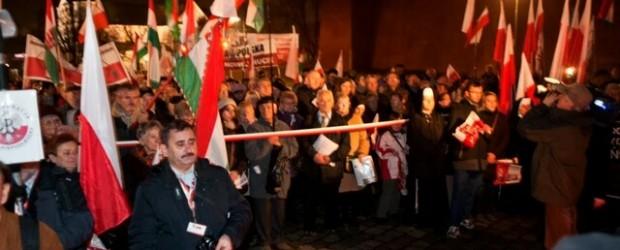 Kraków – 43-cia Miesięcznica Smoleńska: uroczystości polsko-węgierskie (wideo)
