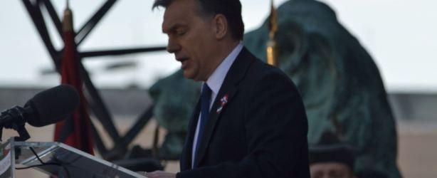 """Viktor Orbán dziękuje Tomaszowi Sakiewiczowi za tytuł Człowieka Roku """"Gazety Polskiej"""""""