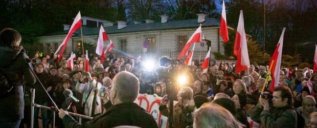 Manifestacja przed rosyjską ambasadą w Warszawie w rocznicę napaści ZSRR na Polskę!