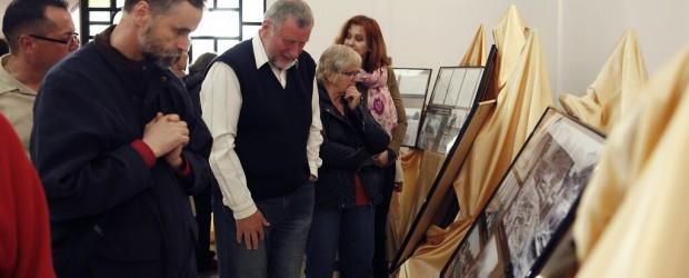 Wystawa – Historia budowy Kościoła w Łochowie