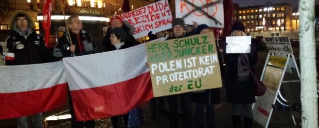 """Wolna Polska. Dumna Polska – manifestacje Klubów """"Gazety Polskiej"""" w Berlinie"""