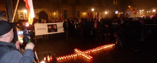 90 Miesięcznica tragedii smoleńskiej w Krakowie (wideo)