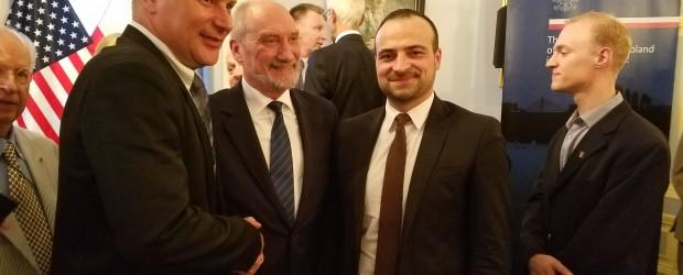 """[Tydzień w Klubach """"GP""""] Antoni Macierewicz podziękował Klubom """"GP"""""""