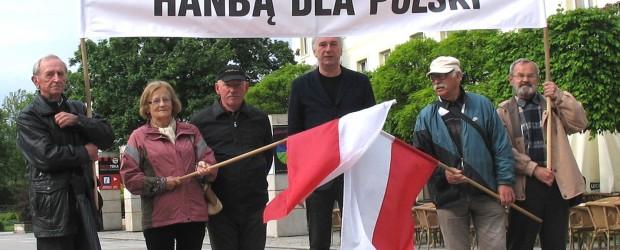 Pikieta na Placu Artystów w Kielcach
