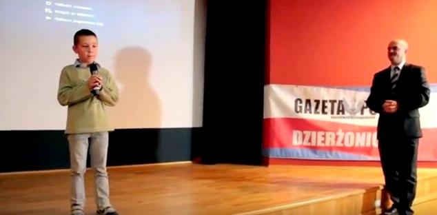 dzierzonioii-patriotyczne-spiewanie