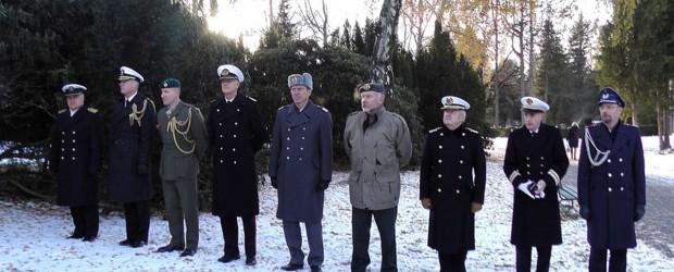 """Klub """"GP"""" w Oslo  zorganizował spotkanie Polaków przy pomniku polskich lotników w Oslo"""