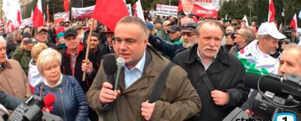 [FOTORELACJA] Polacy murem za rządem (wideo)