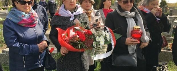 Konin – Spotkanie modlitewne pod odnowionym pomnikiem pomordowanych Żydów przez hitlerowców w obozie Konin-Czarków