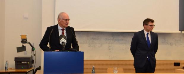 Berlin: Reforma sądownictwa – przekonywanie Niemców