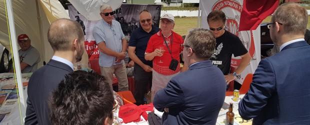 Sydney: Minister Krzysztof Szczerski na stoisku Klubu GP Sydney