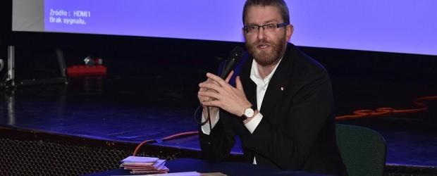 Gniezno: Rozmawiali o Lutrze i najnowszym filmie z Grzegorzem Braunem