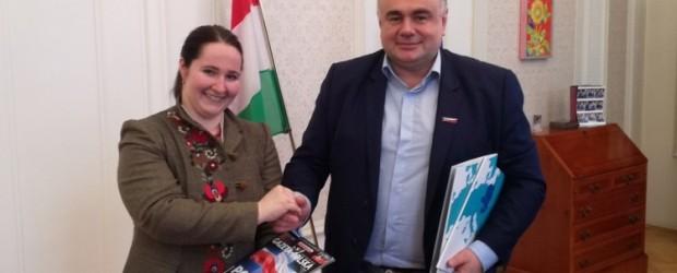 """Orban dziękuje Polakom. Specjalne listy do T. Sakiewicza, R. Kapuścińskiego i Klubów """"GP"""""""