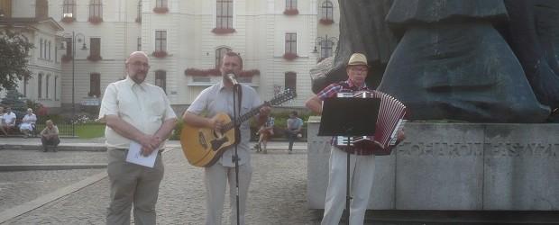 Bydgoszcz – wspólne śpiewanie pieśni patriotycznych, 2 maja