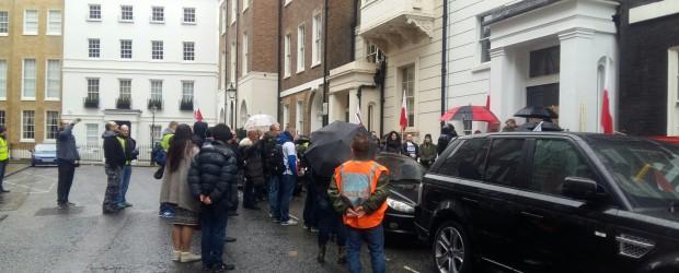 Londyn III (Wielka Brytania): Protest pod ZDF w Londynie