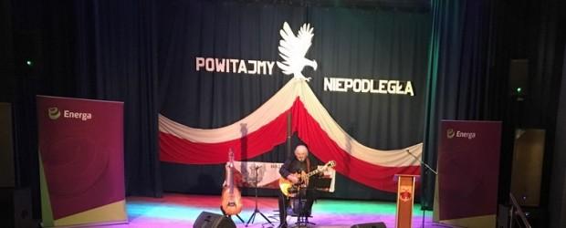"""W Przysusze odbył się ,,Koncert Patriotyczny"""" w wykonaniu Macieja Wróblewskiego (wideo)."""