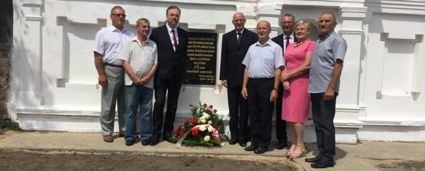 Sulęcin: Odsłonięcie tablicy upamiętniającej ofiary ludobójstwa na Kresach
