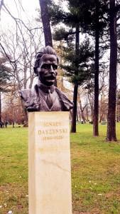 """Popiersie Ignacego Daszyńskiegow Parku Jordana w Krakowie (Foto. Fundacja Klubów """"Gazety Polskiej"""")"""