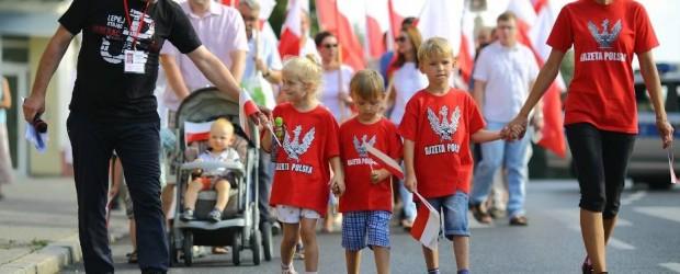 Piotrków Tryb.: W hołdzie Powstańcom Warszawskim