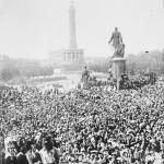 Berlin - manifestacja zwolenników wojn, ze zbiorów Narodowego Archiwum Cyfrowego