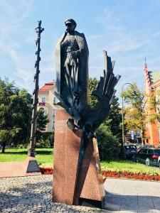 """Pomnik Józefa Piłsudskiego w Krakowie (foto. Fundacja Klubów """"GP"""")"""