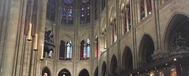 Paryż Notre-Dame: Poświęcenie kaplicy Polskiej.