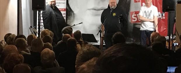 """Warszawa: Tłumy na koncercie """"Uwolnić Basię na święta"""""""