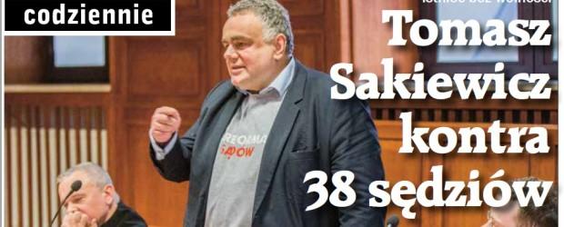 Tomasz Sakiewicz kontra 38 sędziów