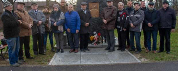 Dzierżoniów II: Miesięcznica Tragedii Smoleńskiej