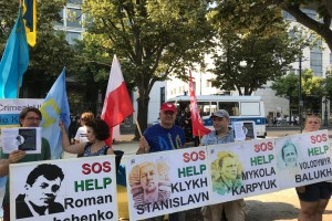 Berlin – Brandenburg: Demonstracja przed ambasadą Rosji w Berlinie