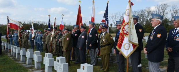 Uroczystości pogrzebowe Naczelnego Komendanta Stowarzyszenia Weteranów Armii Polskiej w Ameryce majora Wincentego Knapczyka