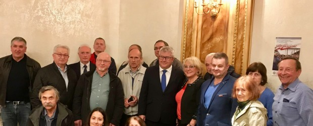 Europoseł dziękuje Amerykańskiej Polonii za głosy