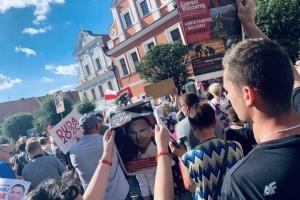 """Kluby """"Gazety Polskiej"""" aktywne w kampanii. Dziś """"Express Wieczorny"""" trafił do Kluczborka FOTO"""