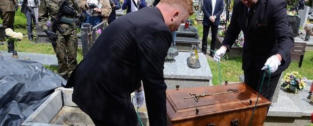 Nowy Sącz II: Uroczystości pogrzebowe Żołnierza Wyklętego