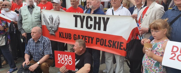 """Tychy: W Katowicach wiec poparcia dla prezydenta. """"Na nic trzaski, na nic burze, Andrzej wygra w II turze"""""""