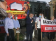 """Sakiewicz pod ambasadą rosyjską: Dzisiaj przyszedł czas na Białorusi, aby powiedzieć """"nie"""" okupantowi"""