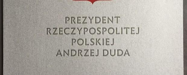 """Niezwykły prezent od prezydenta z okazji 10-lecia Klubu """"Gazety Polskiej"""" w Tychach!"""