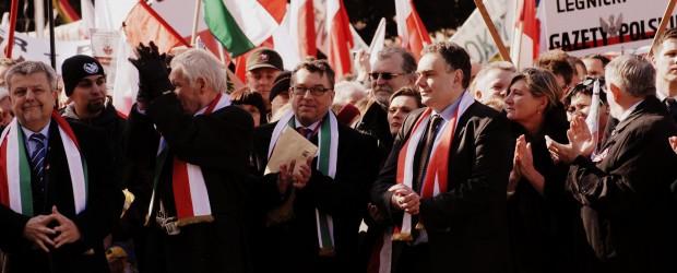 Tomasz Sakiewicz dla Niezalezna.pl: Ramię w ramię z Węgrami walczymy o Europę wolnych narodów
