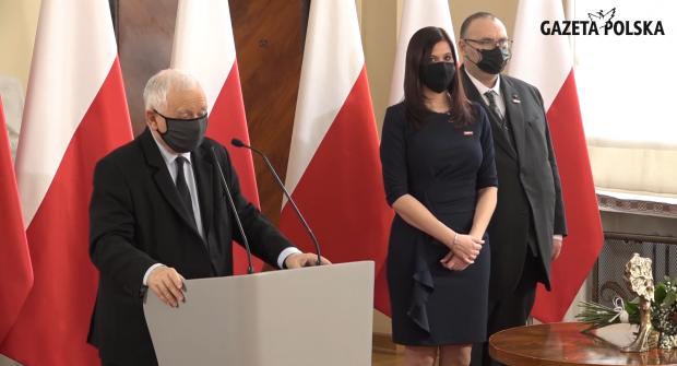 """Jarosław Kaczyński o wyróżnieniu przez Kluby """"GP"""": Ta nagroda jest dla mnie czymś szczególnym (galeria)"""