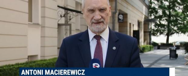 """(wideo) Manifestacja #PoStroniePolski – zaprasza Antoni Macierewicz. """"To Konstytucja jest tworem narodu"""""""